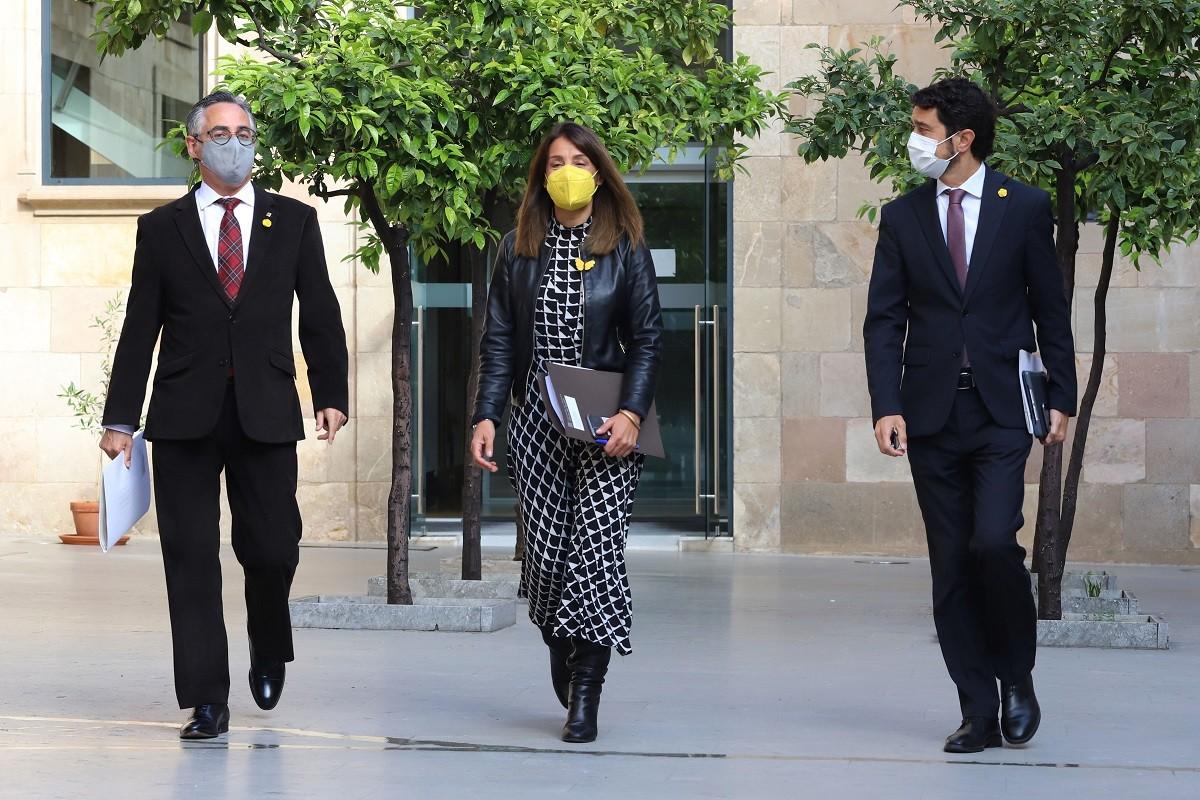 Meritxell Budó, Ramon Tremosa i Damià Calvet, abans d'una reunió del Govern.
