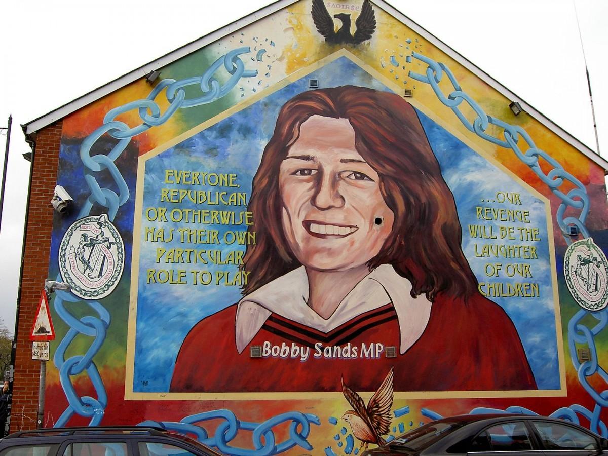 Mural a Belfast de Bobby Sands, voluntari de l'Exèrcit Republicà Irlandès mort durant la vaga de fam de 1981