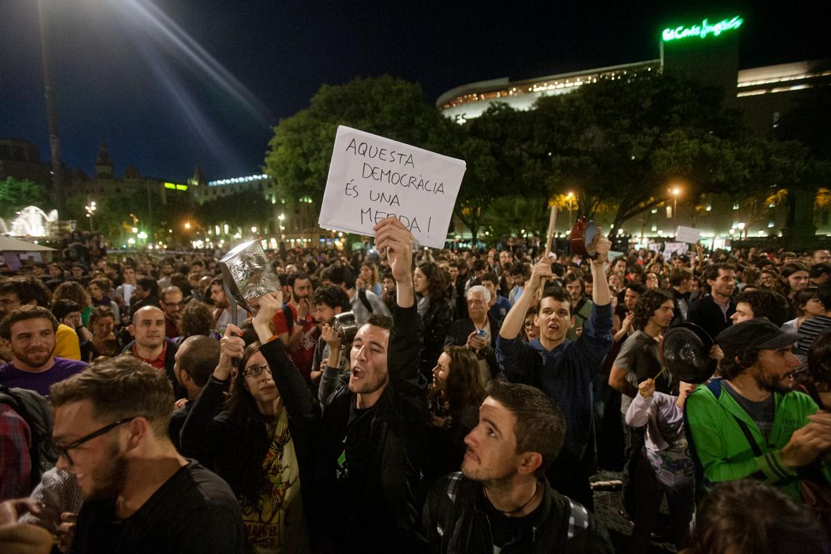 Acampada dels indignats a plaça Catalunya.