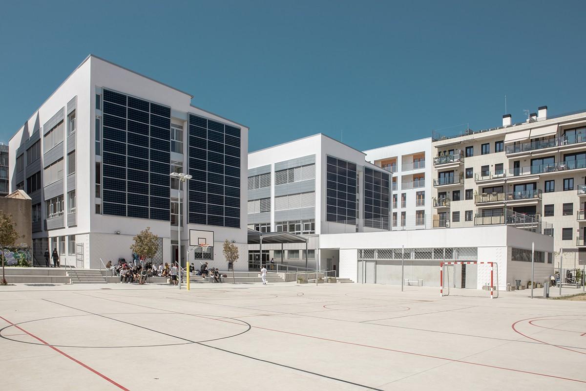 El nou edifici de l'Institut Maria Espinalt.