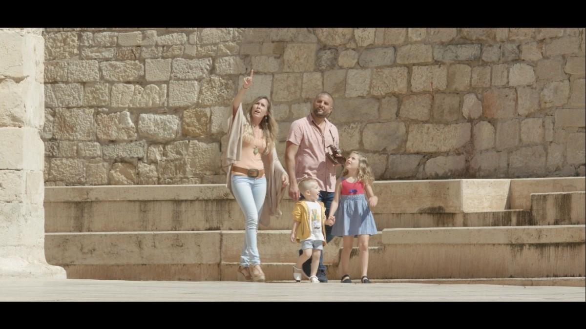 Imatge d'un espot promocional del Turisme Familiar a Tortosa