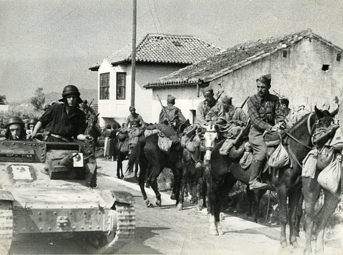 Tropes franquistes a prop de Tortosa a les acaballes de la Guerra Civil.