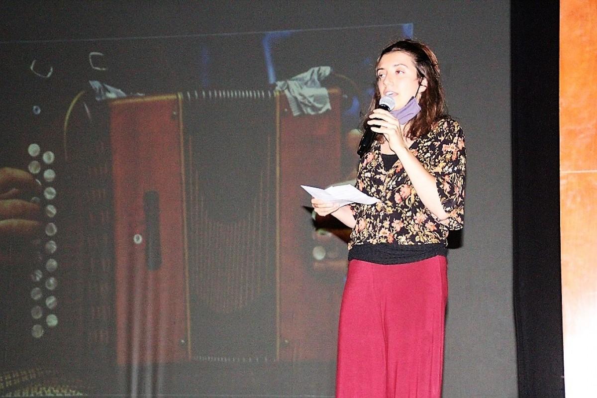 Irene Augé durant la presentació del documental
