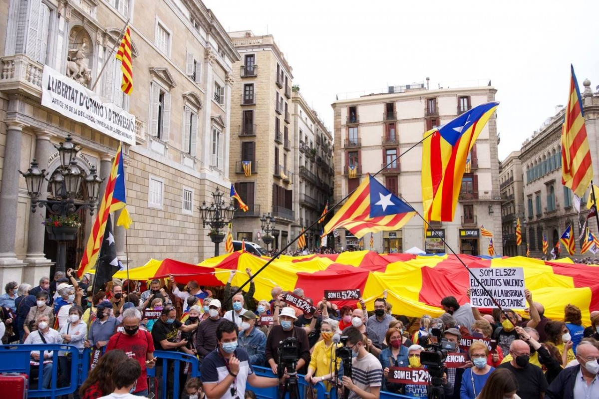 La plaça de Sant Jaume, plena