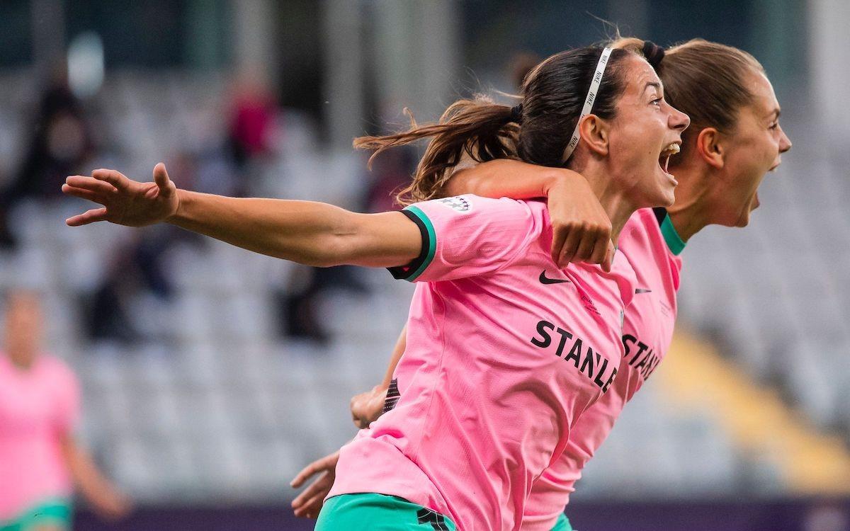 Aitana Bonmatí i Lieke Martens celebrant el tercer gol blaugrana