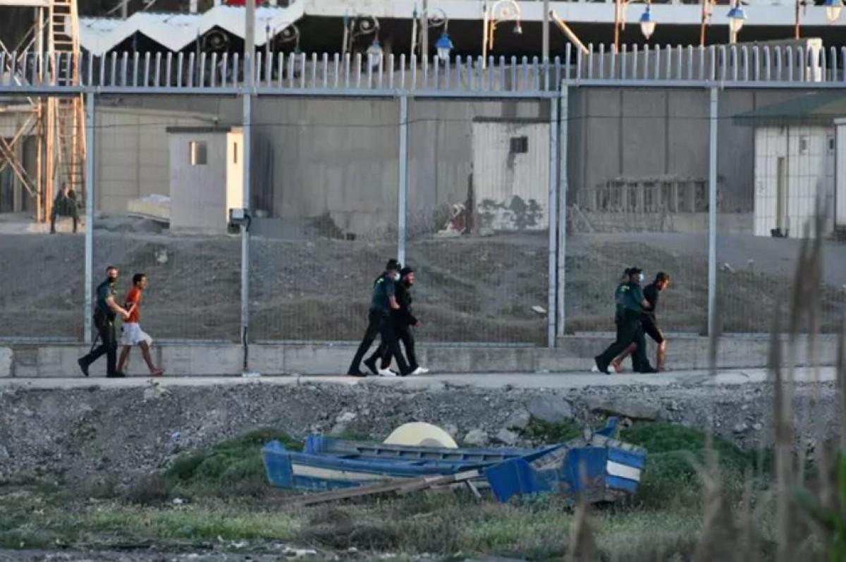 Guàrdies civils actuant a Ceuta