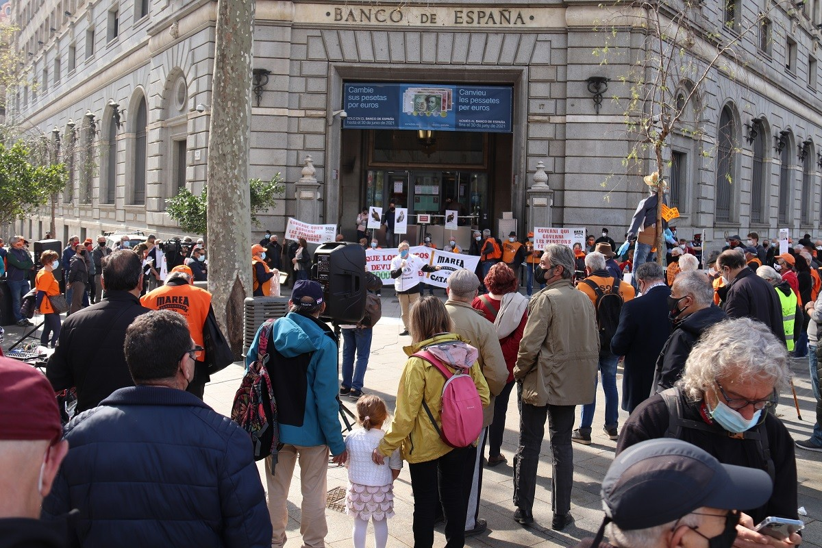 Una mobilització de la Marea Pensionista davant del Banc d'Espanya