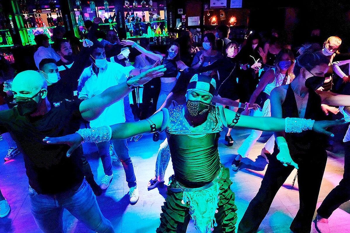 Pista de ball d'un bar musical