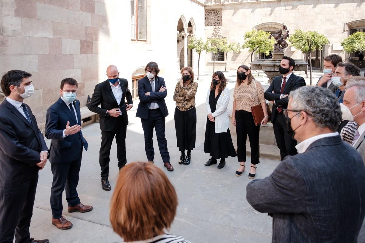Aragonès es dirigeix per primera vegada als secretaris generals de cada departament.