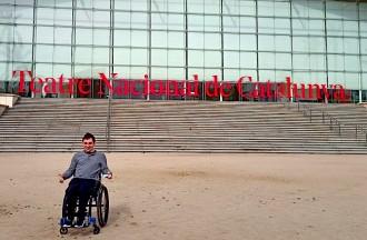 «Inauguraré el primer camerino del TNC adaptat per als actors en cadira de rodes»