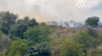 VÍDEO | Flames a Collserola, a tocar del barri de Canyelles