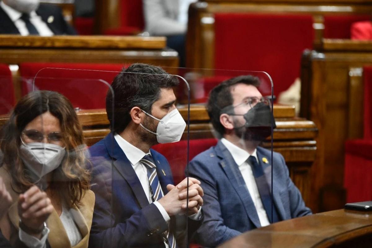 Pere Aragonès, Jordi Puigneró i Laura Vilagrà, al Parlament.