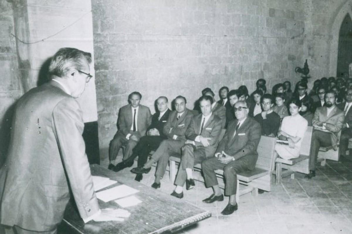 Inauguració de la UAB al Monestir de Sant Cugat l'any 1968