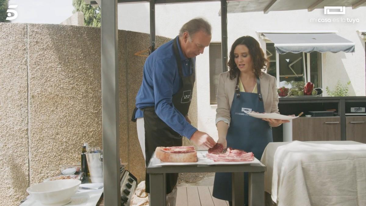Bertín i Ayuso, cuinant durant l'entrevista