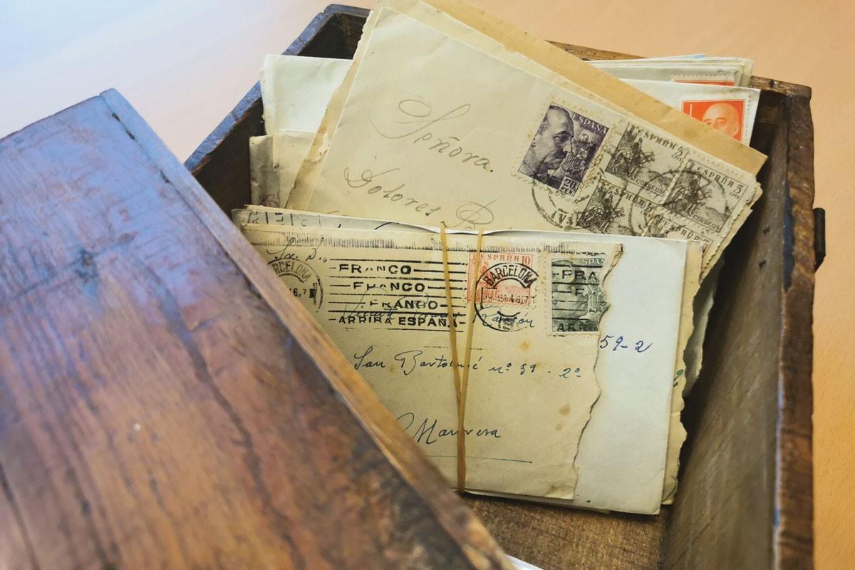 Algunes de les cartes d'amor entre el pres del franquisme i la veïna de les Escodines