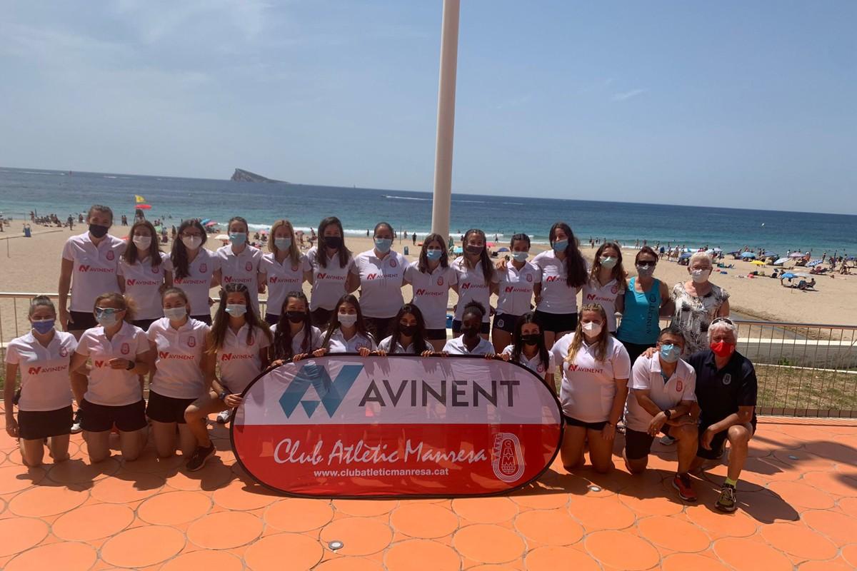 Equip femení de l'Avinent Manresa a La Nucia