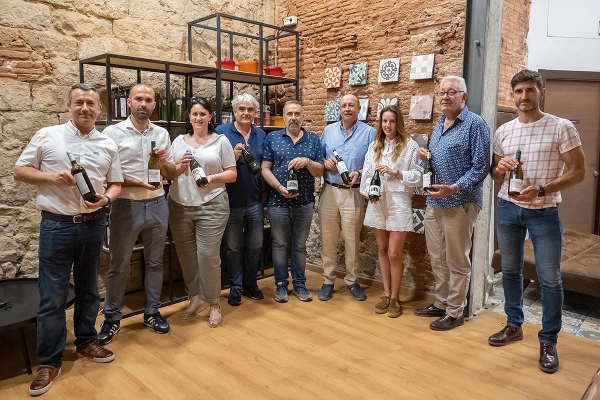 Els elaboradors amb Álvaro Ribalta (segon per l'esquerra) i Jordi Rius (primer per la dreta)