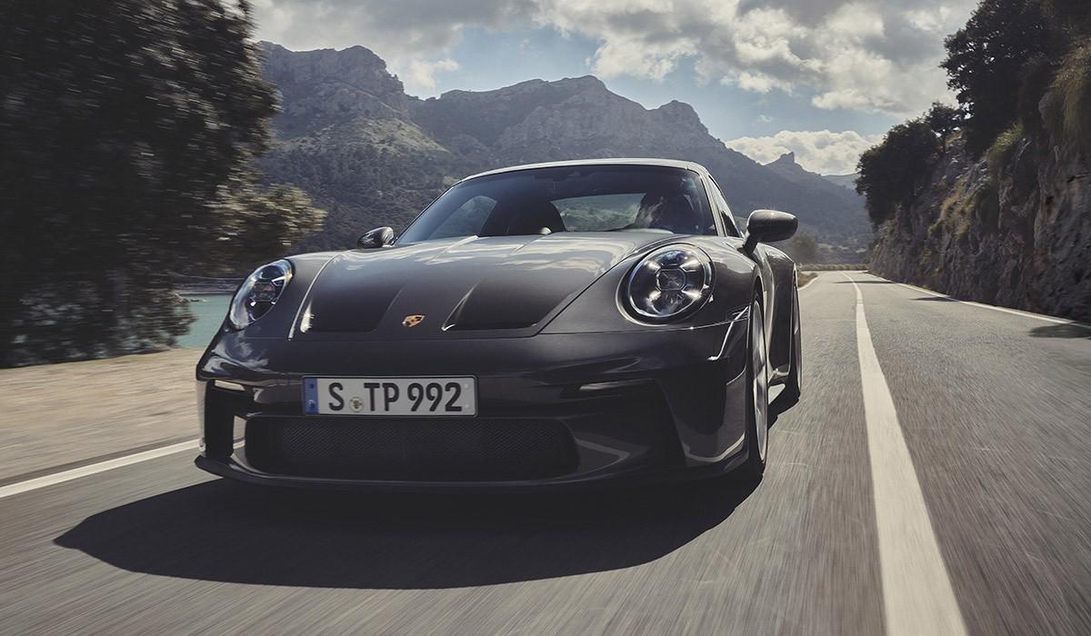 PORSCHE 911 GT3 Touring Pack