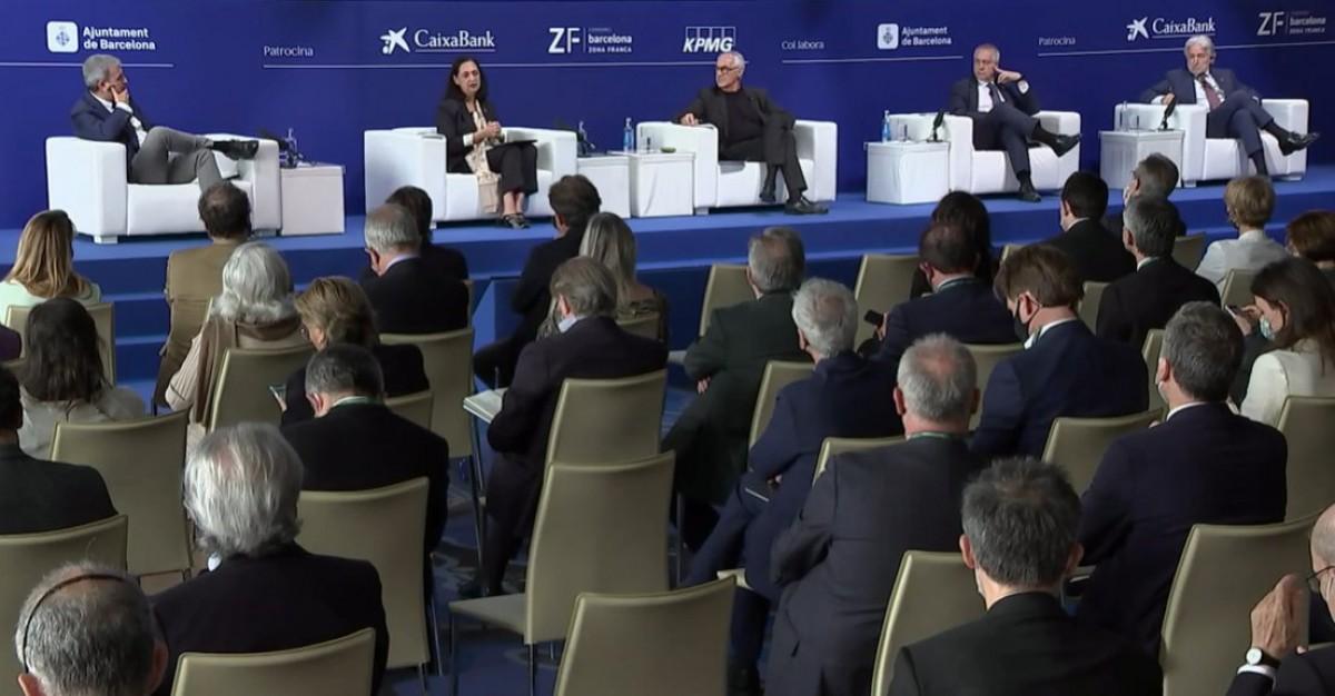 Sánchez Llibre, a la dreta, en el debat sobre Barcelona al Cercle.