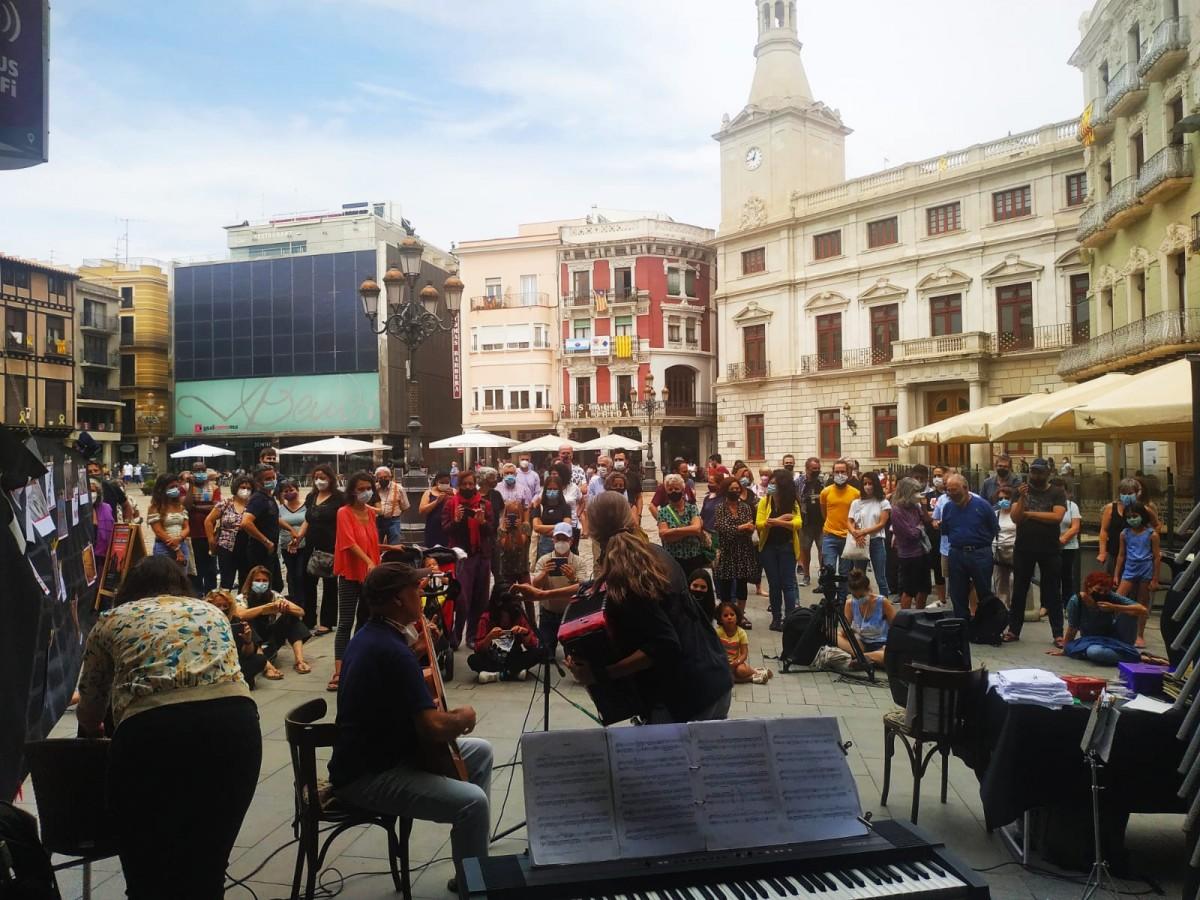 Una imatge de l'acte de diumenge al Mercadal
