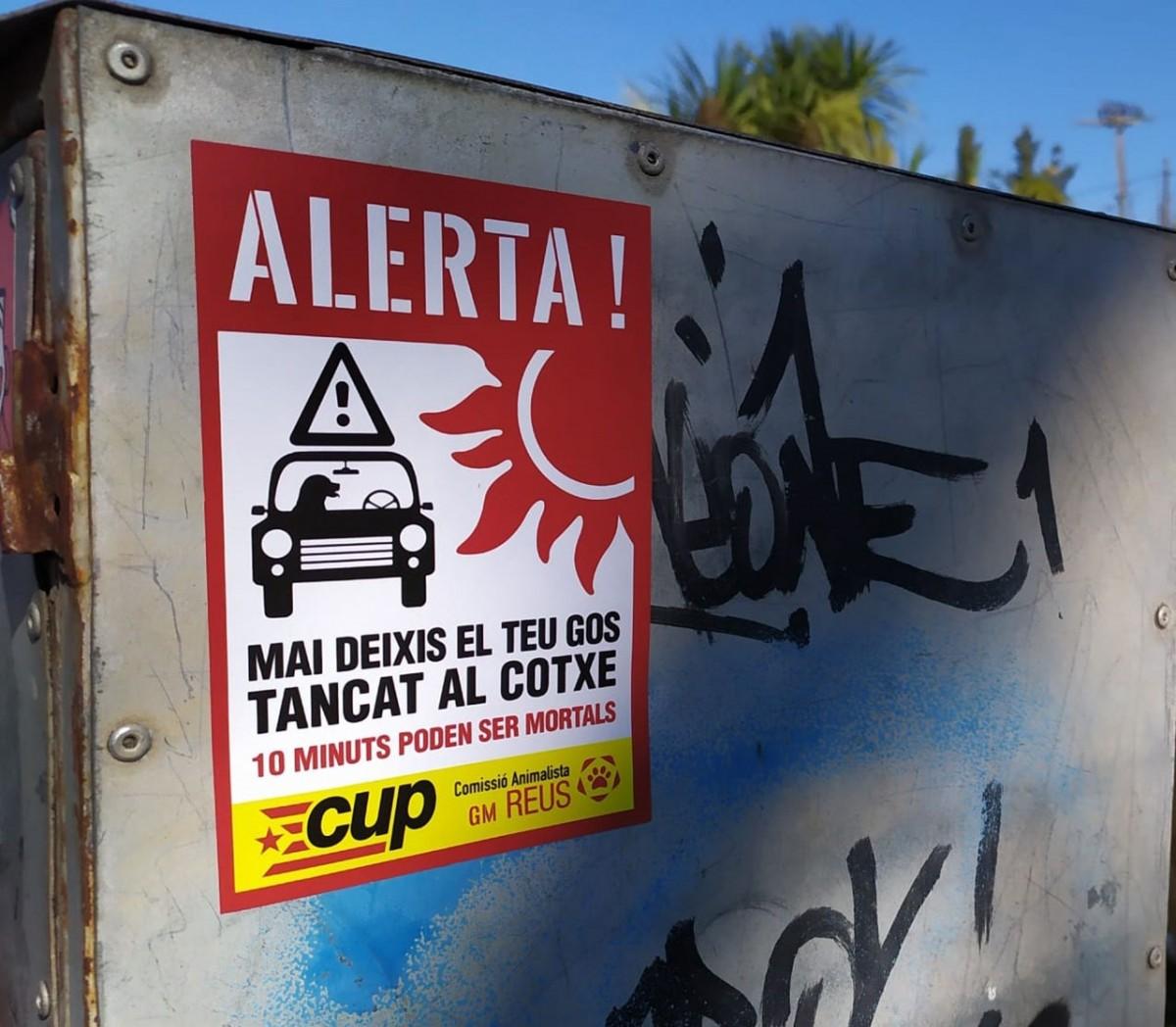 La campanya vol evitar que la gent es deixi el gos tancat al cotxe patint calor