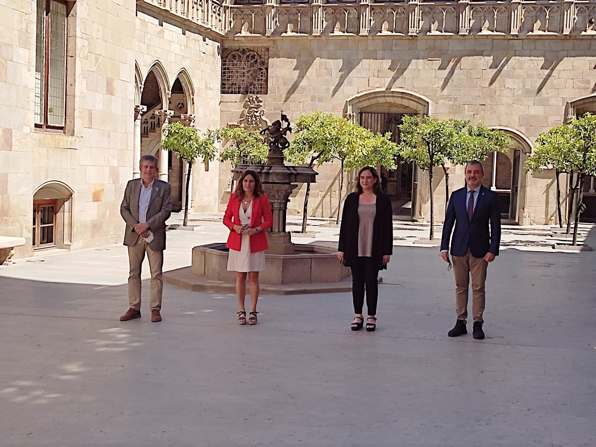 Sánchez, Vilagrà, Colau i Collboni, abans de la reunió
