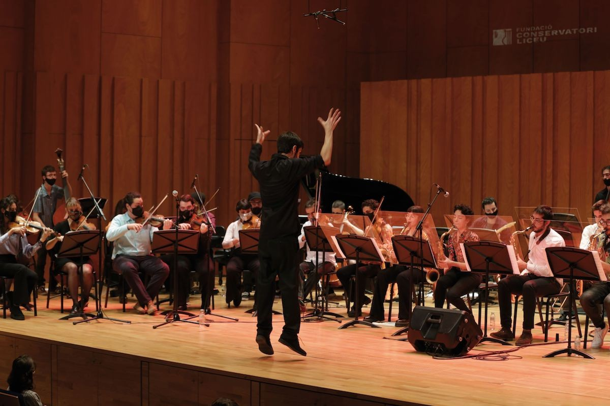 Toni Vaquer dirigint el Gran Ensemble Liceu