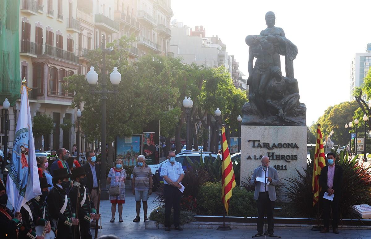 La Rambla Nova de Tarragona ha acollit l'acte de record al 210è aniversari del setge a la ciutat.