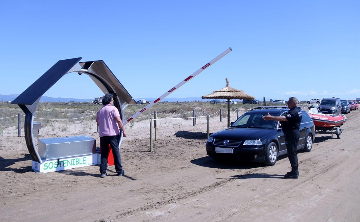 Durant els mesos de juliol i agost una barrera limitava l'accés a este espai protegit