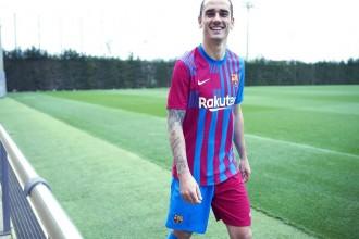 El Barça presenta la samarreta de la propera temporada