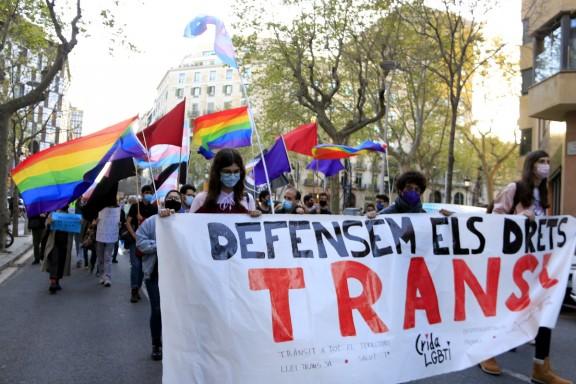 El Parlament insta el Govern a impulsar la llei trans