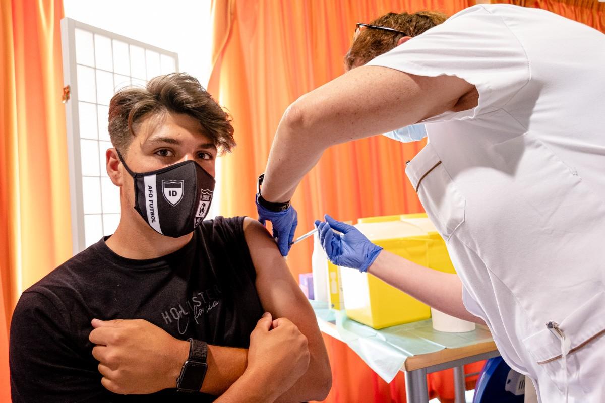 Vacunació de joves a Manlleu