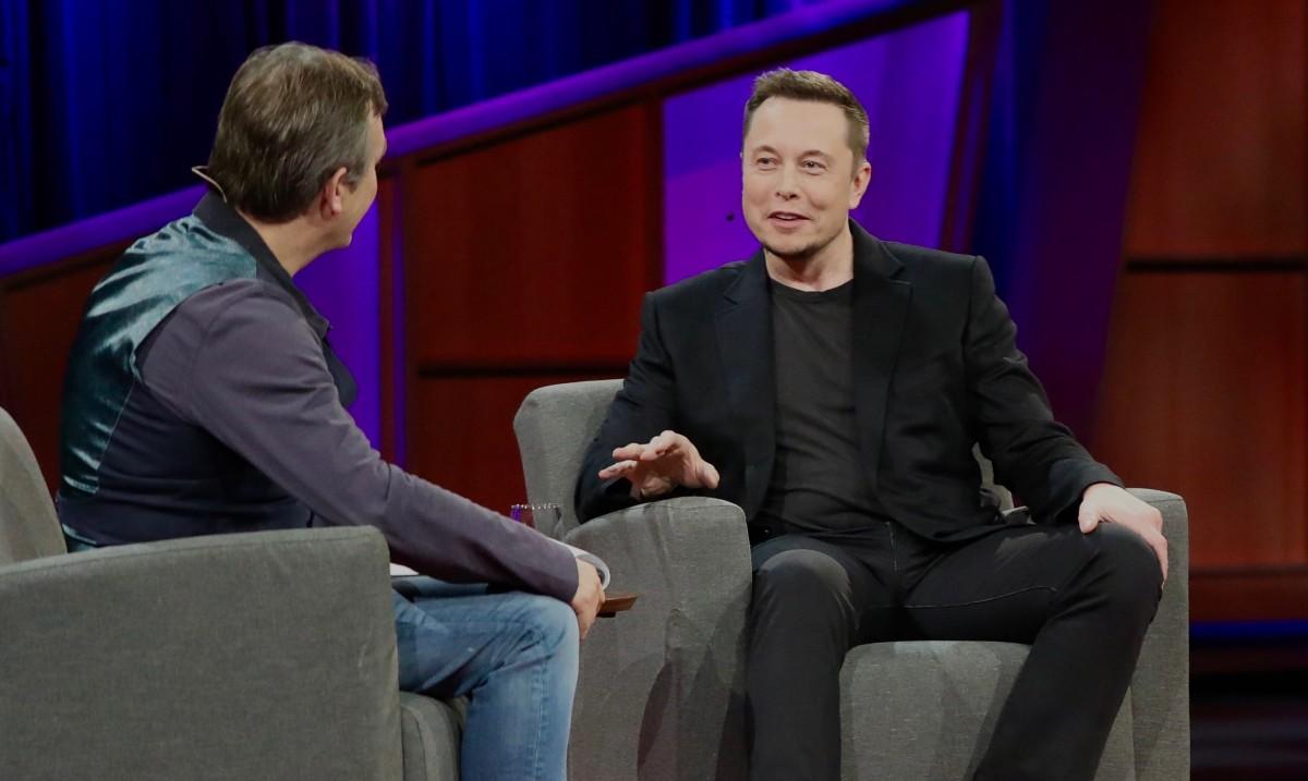 El magnat Elon Musk va fundar el 2015 el grup d'investigació OpenAI, creadora del revolucionari model GPT-3.