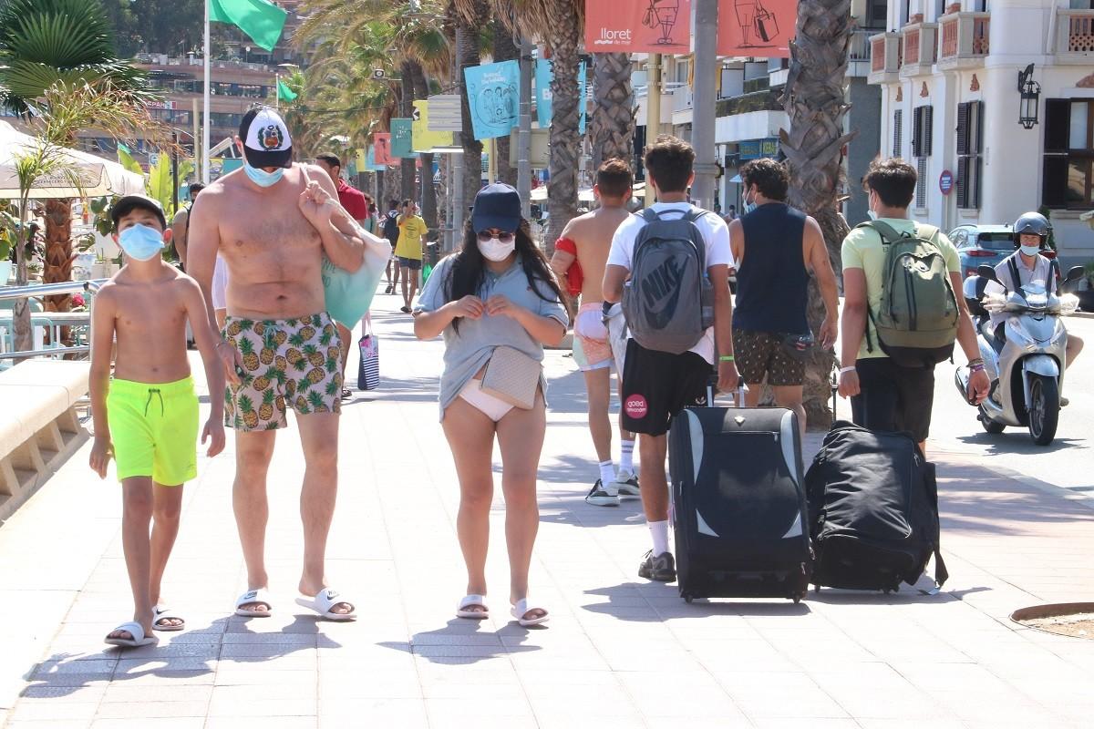 Turistes a Lloret de Mar.