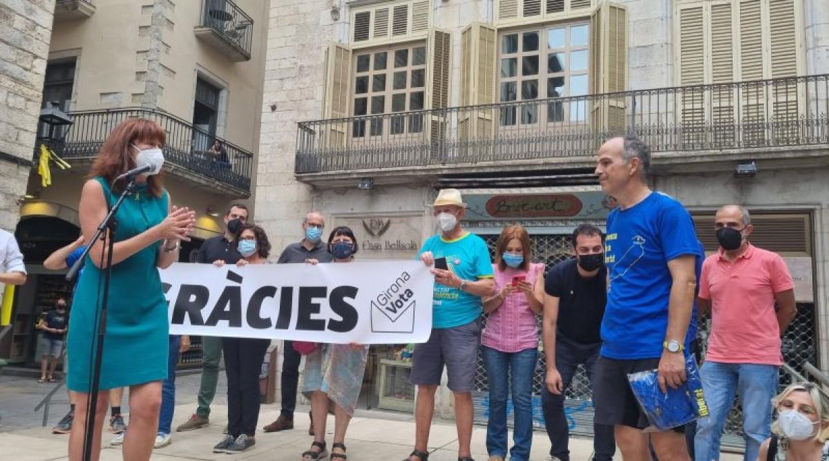 Marta Madrenas i Jordi Turull ahir en la rebuda del conseller a Girona.