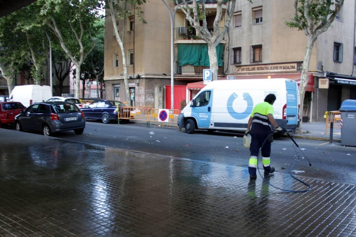 Un dels serveis municipals de neteja que gestiona FCC és el de Badalona.