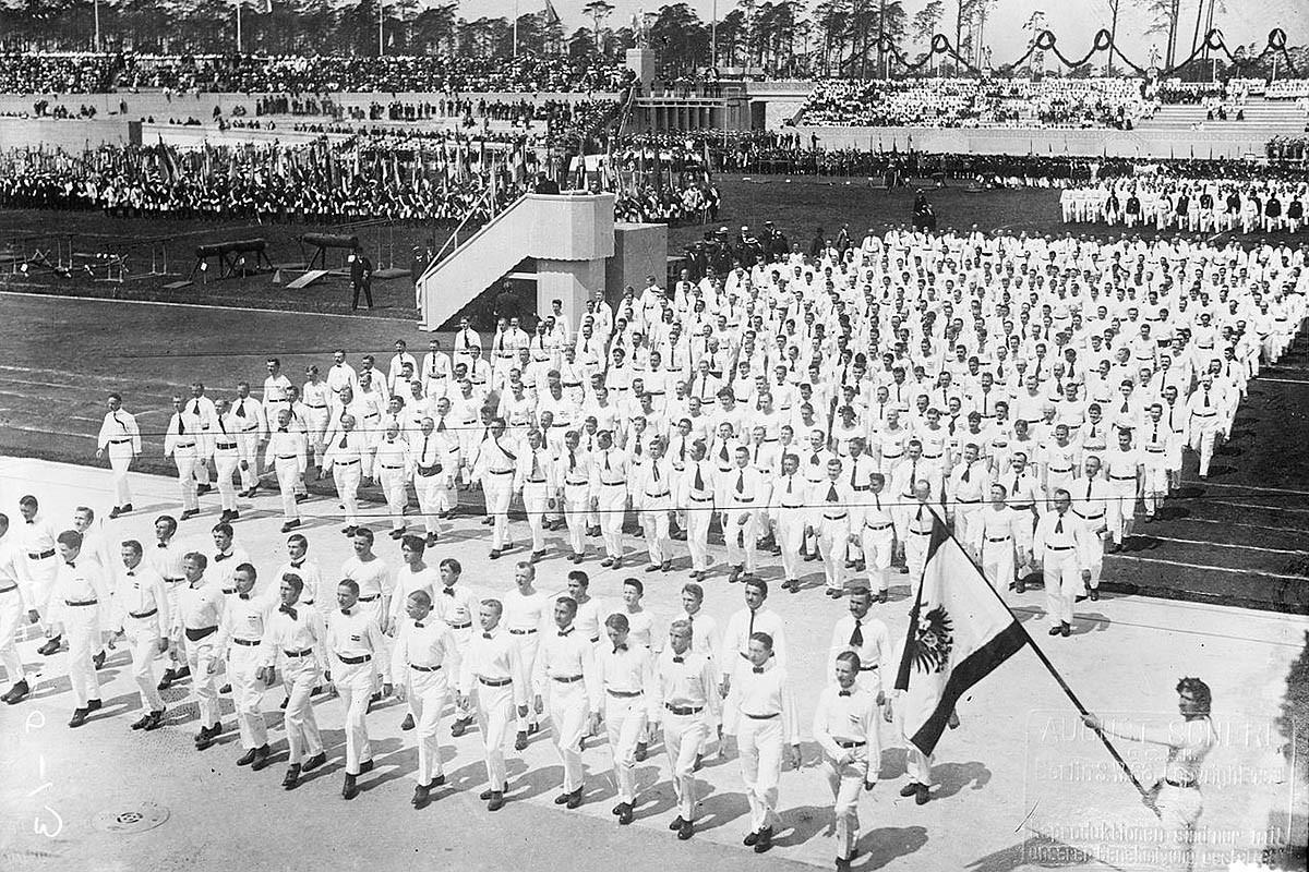 Inauguració de l'estadi que havia d'acollir els Jocs Olímpics de Berlín 1916