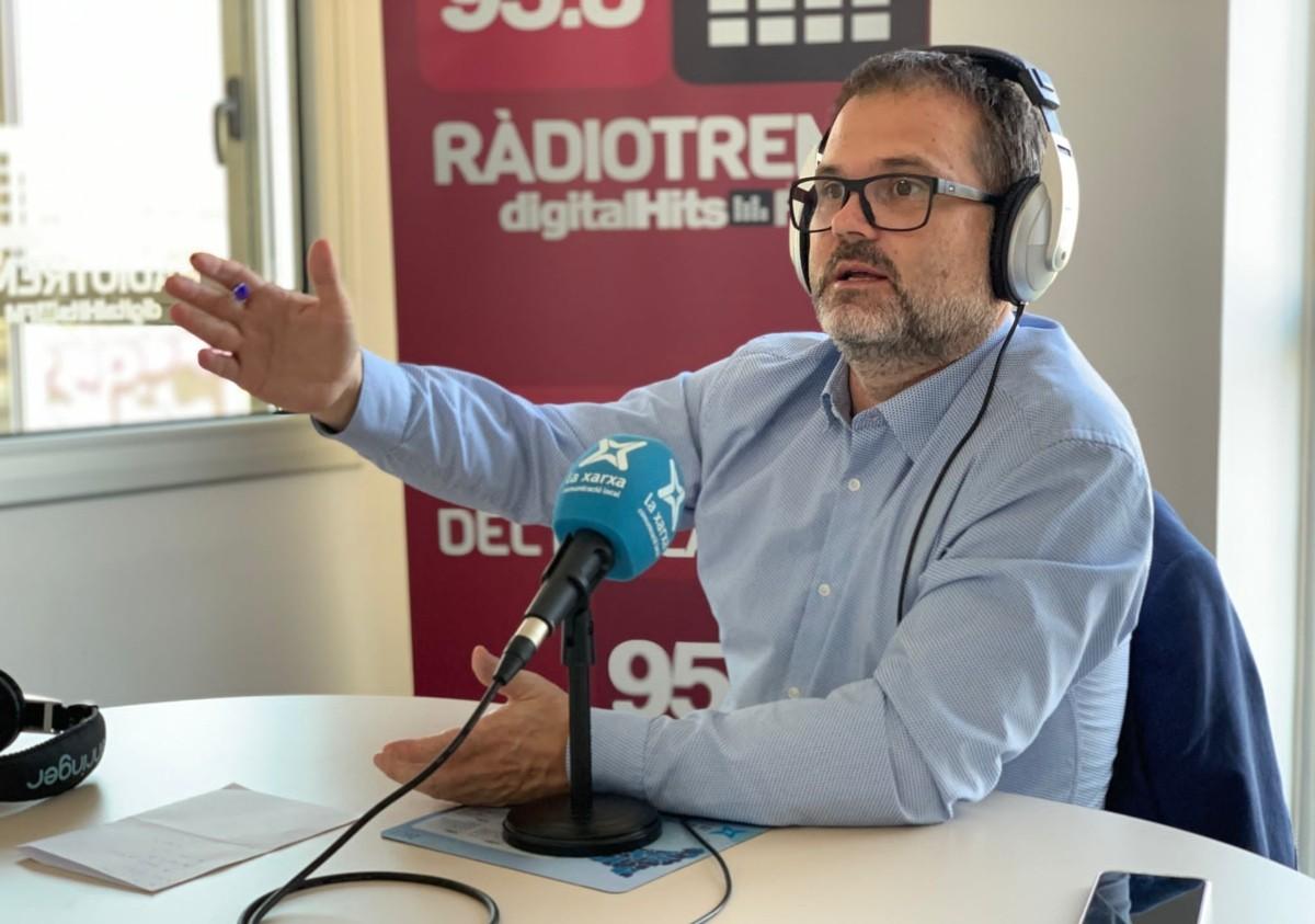 Ricard Pérez, durant l'entrevista a Ràdio Tremp.