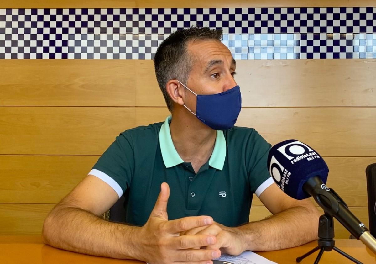 Jordi Antiga, director de l'INS Garrotxa, aquest matí a l'Ajuntament d'Olot.