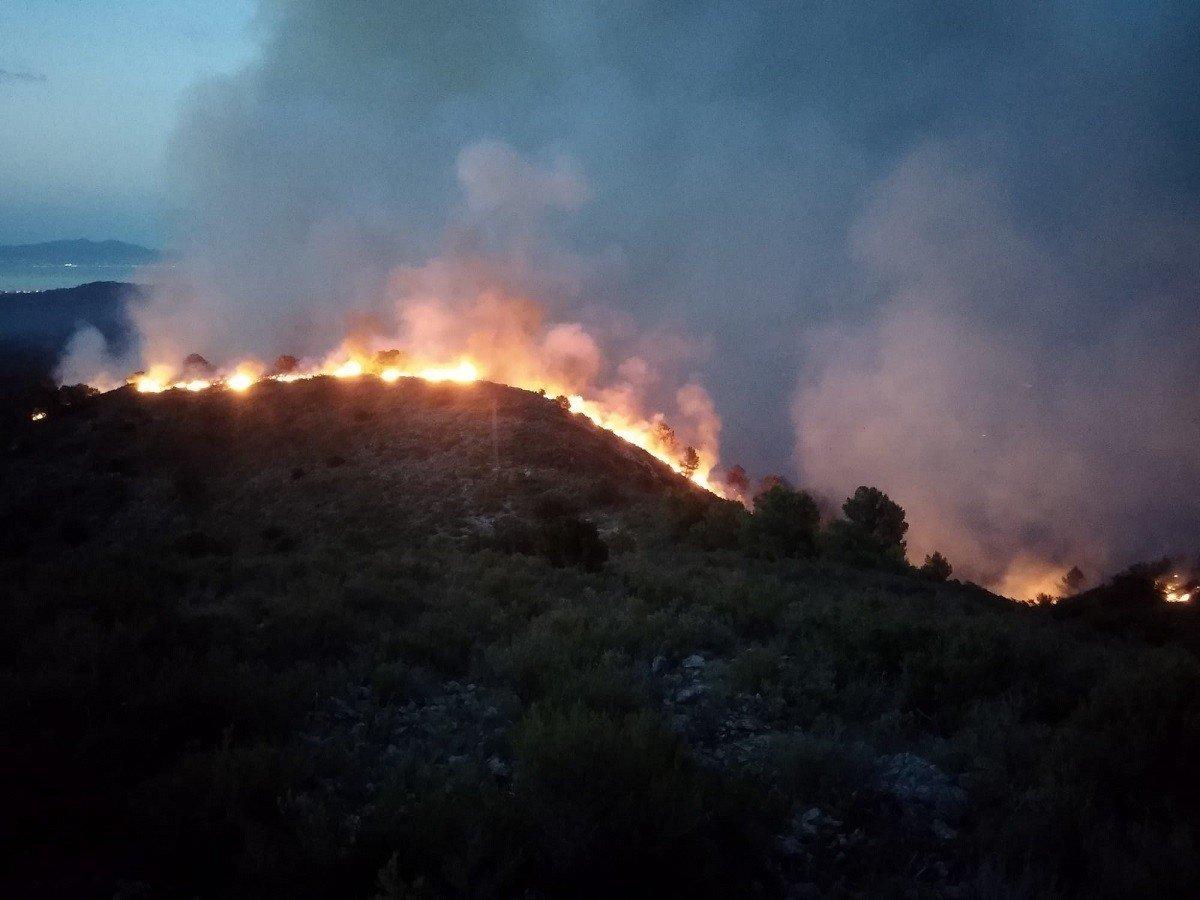 Incendi al Massís del Montgrí.