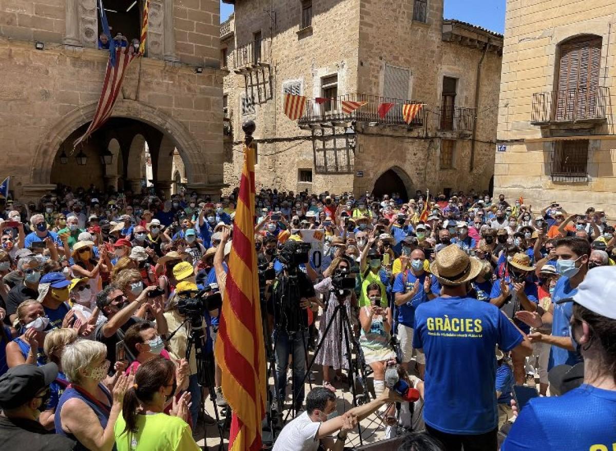Jordi Turull a la plaça d'Arnes, el final de la seva Travessa per la Llibertat