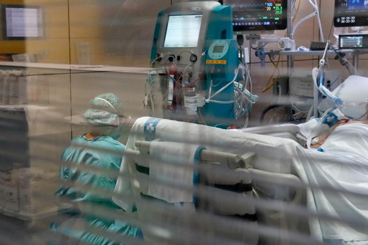 Una imatge d'una sanitària en un box