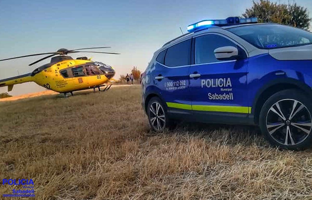 L'helicòpter dels Bombers i el vehicle policial