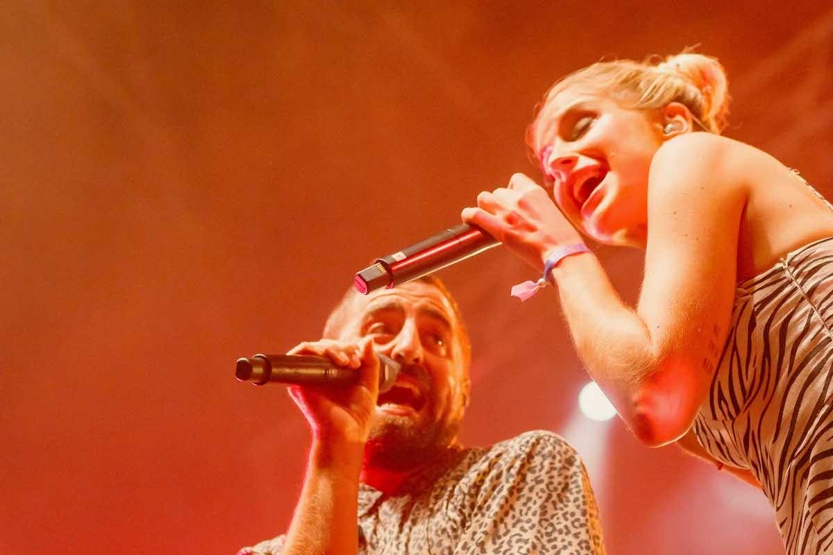 Artur Martínez (La Fúmiga) i Samantha en directe a Alzira