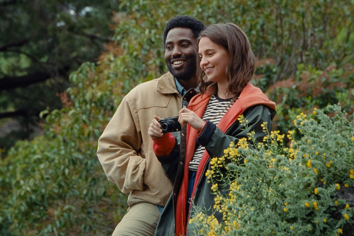 John David Washington i Alicia Vikander, protagonistes de «Beckett»