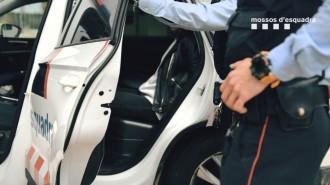 Els Mossos alliberen una dona segrestada per la seva exparella en un local de Barcelona