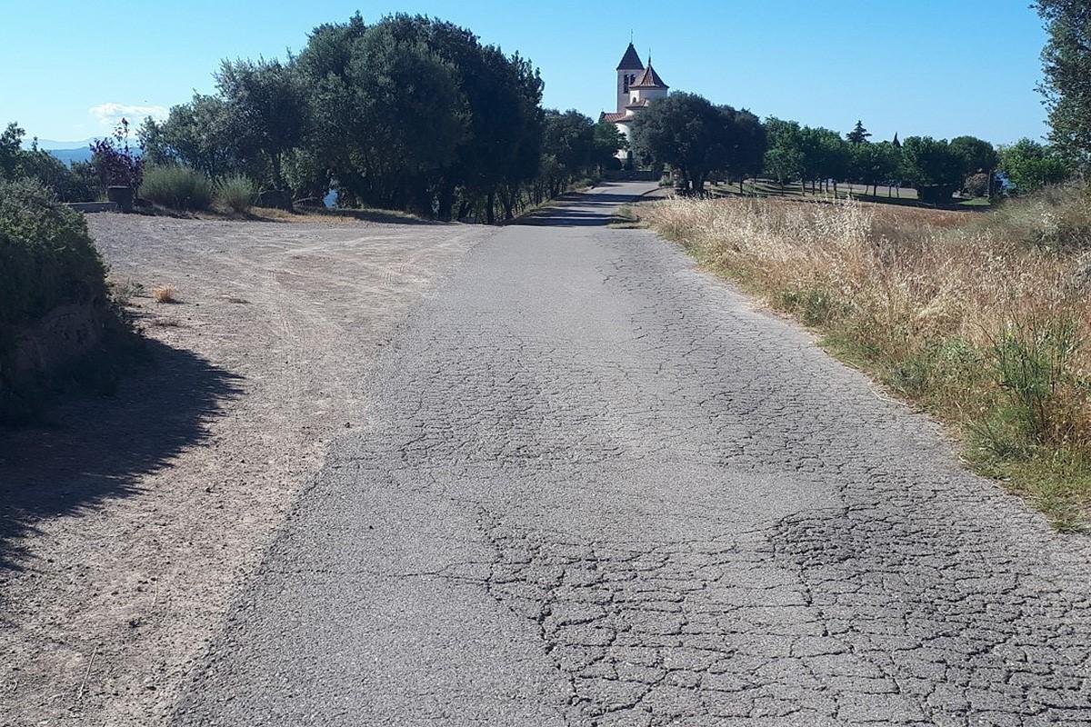 El camí del cementiri cap al Santuari de Lurdes, a Prats.