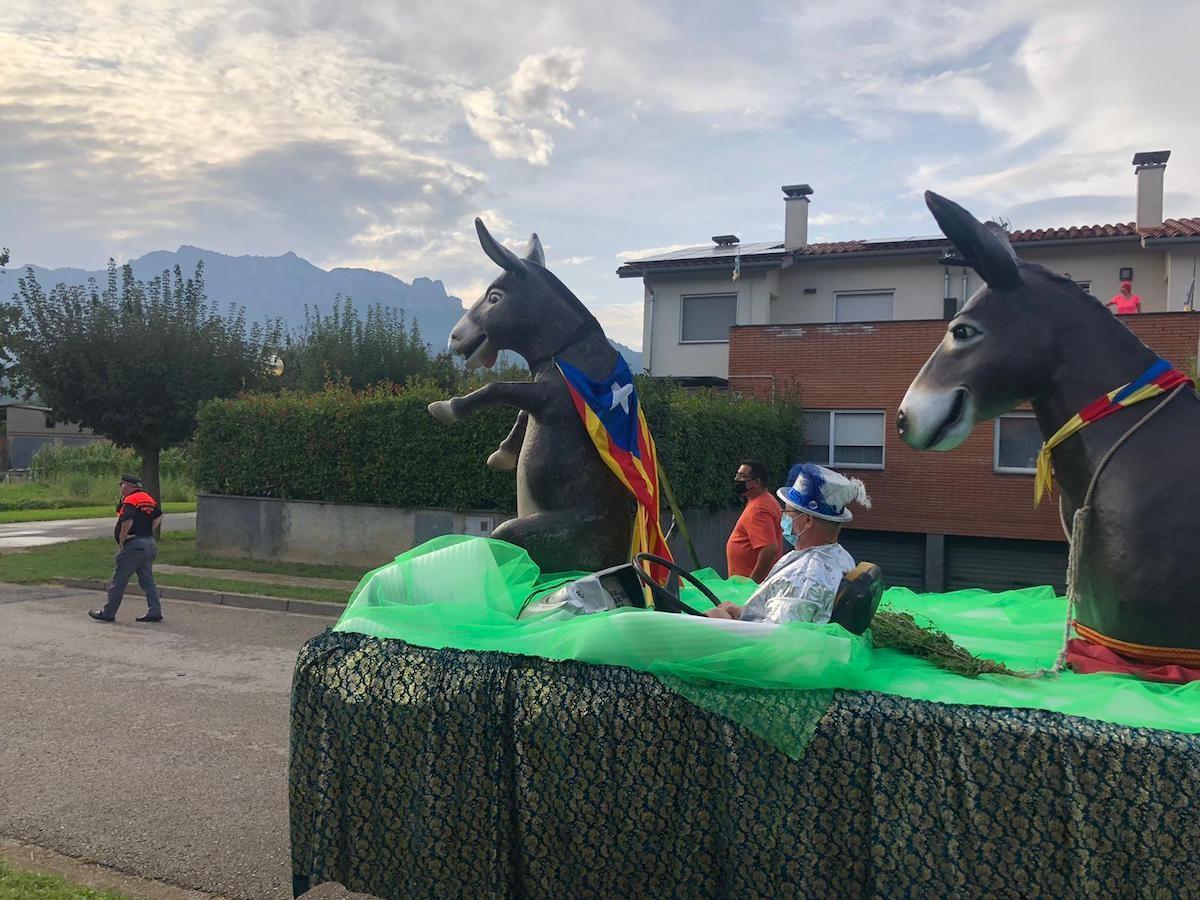 El Burro Savi tornarà recórrer els carrers d'en Bas durant la Festa Major d'enguany.