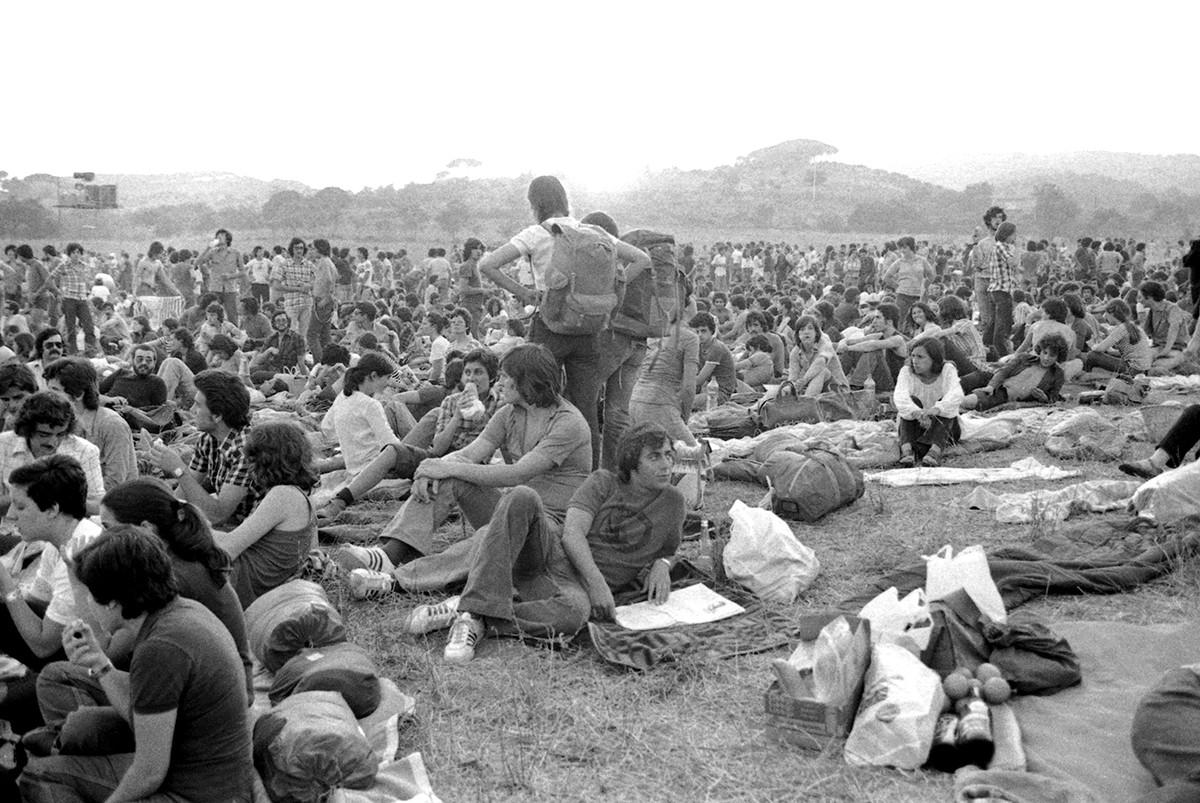 El públic al Pla d'en Sala a les Sis Hores de l'any 1977