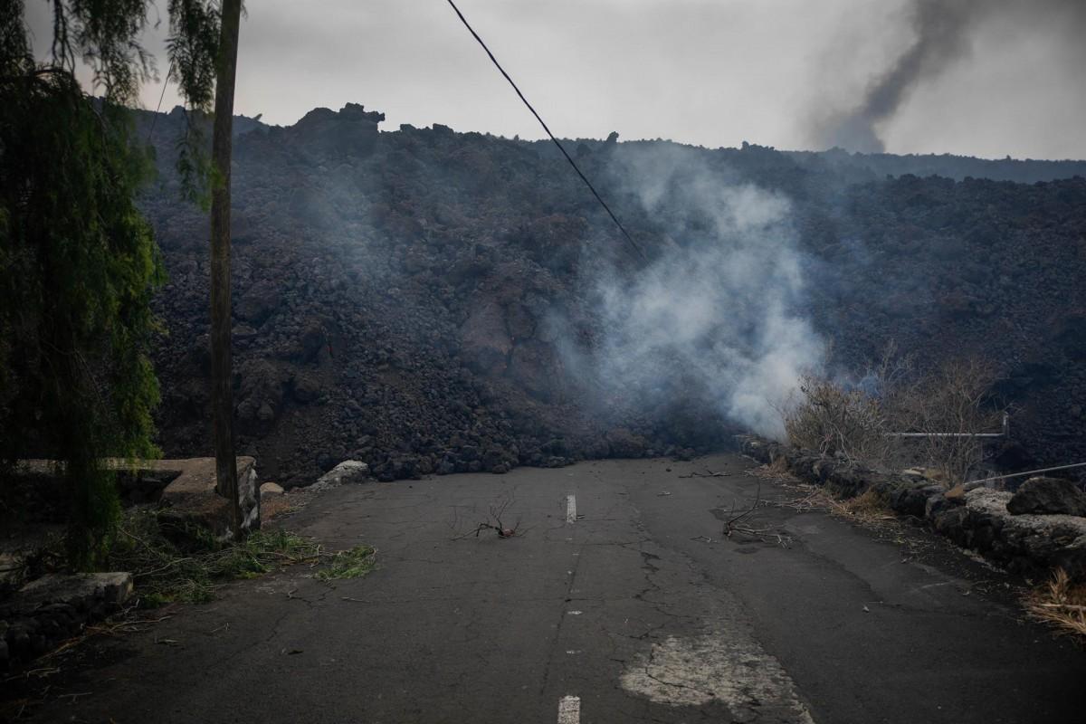 La lava del volcà, arribant a Todoque